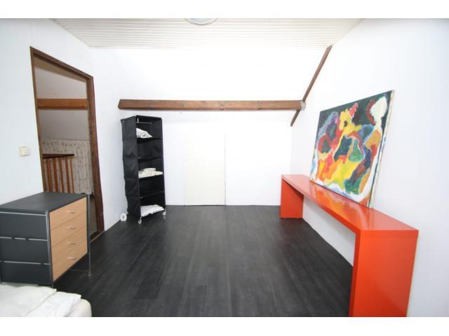 attic_bedroom__2_48629700
