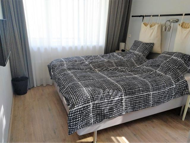 bedroom_2_60664000
