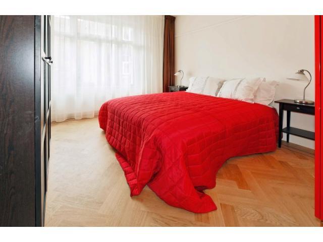 master_bedroom_78392700